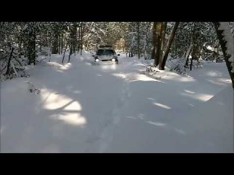 Jeep Liberty Sport 4x4 ploughing through Snow - YouTube