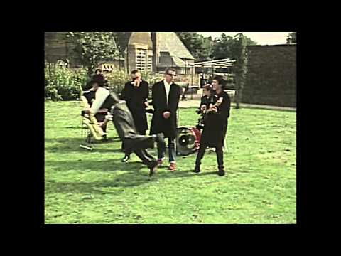 05 MADNESS - Baggy Trousers (1980) (HD) Mp3