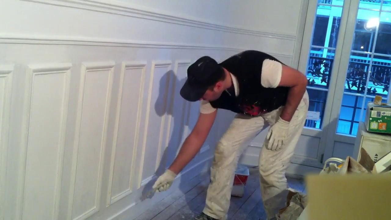 peindre des boiseries murales deuxi me couche youtube. Black Bedroom Furniture Sets. Home Design Ideas