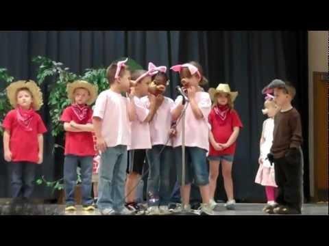 Rogers Elementary Kindergarten Production of the Piggy Opera