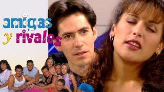 Amigas y Rivales: ¡Nayeli es acosada por su productor musical! | Escena - C37