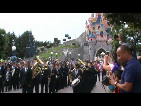 Desfile en Disney 25º Aniversario , Banda Juvenil Unió Musical de Llíria