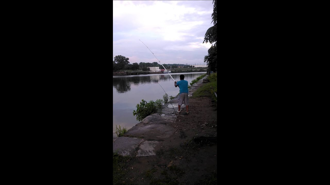 Fishing in james river maury street richmond va youtube for Free fishing license for veterans