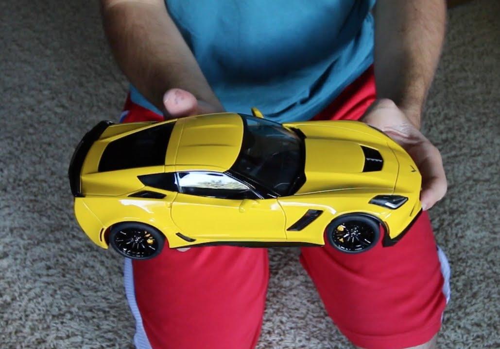 Unboxing - 1:18 Scale AUTOart Corvette C7 Z06 - YouTube