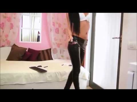 Laura in leather leggings (compilation)Kaynak: YouTube · Süre: 1 dakika18 saniye