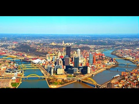United Airlines Landing In Pittsburgh International Airport