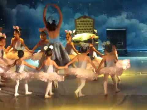La historia de Cenicienta - Ballet Dance
