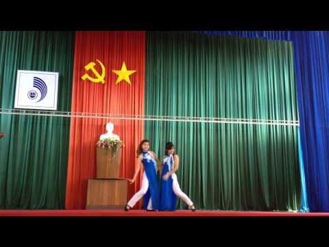 Múa Hello Vietnam