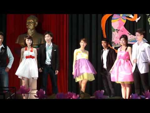 """Thời trang """"Giấy"""" - CT37H - Đêm hội Hán ngữ 2011, DAV"""