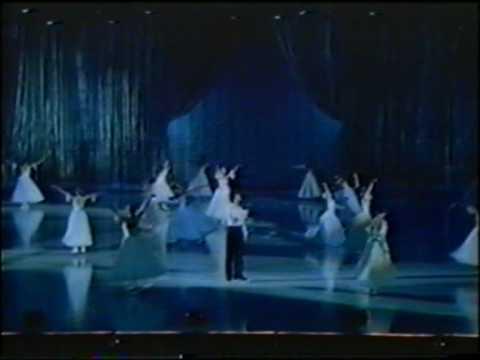 Leningrad/St-Petersburg state ballet on ice