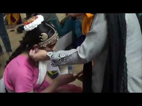 Bharatanatyam make up tutorial Part5-how to put the head set/jewelry, jimikki and mattil