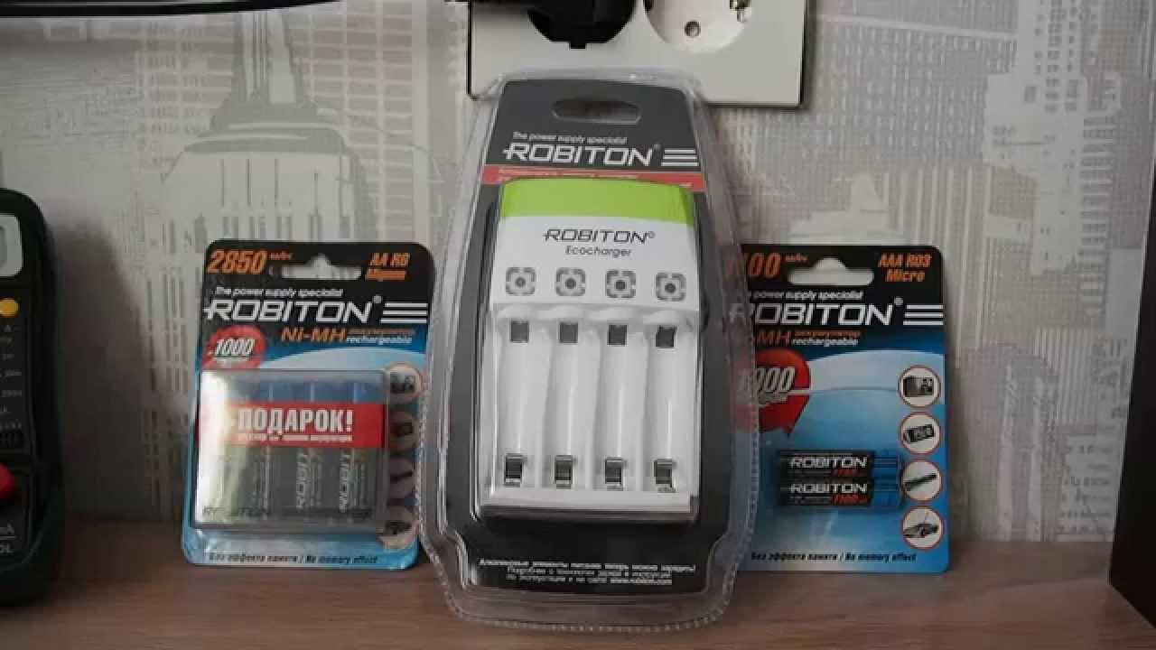 14 янв 2015. Зарядить простые батарейки можно, вместо кустарщины можно взять готовое зарядное устройство ecocharger ak01. А ещё ты сможешь легко зарядить nimh и nicd акку.