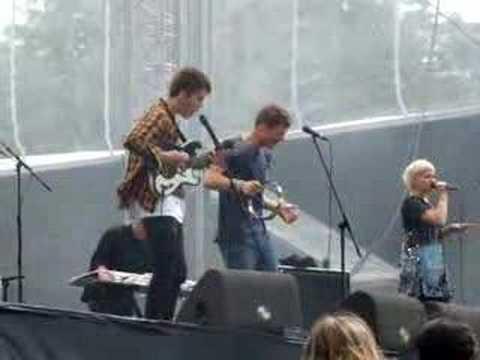Alphabeat - Boyfriend (Live @ Picnic in the park 2008)