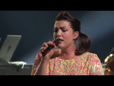 Caro Emerald - A Night Like This (Live at Montreux Jazz Festival 2015)