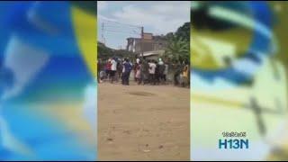 Migrantes varados en Necoclí protestaron por las calles del municipio