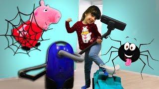 Пылесос Атакует Паука - спасает Свинку Пеппу и ее друзей. Веселые дети против Пылесоса.(, 2018-04-03T06:00:01.000Z)