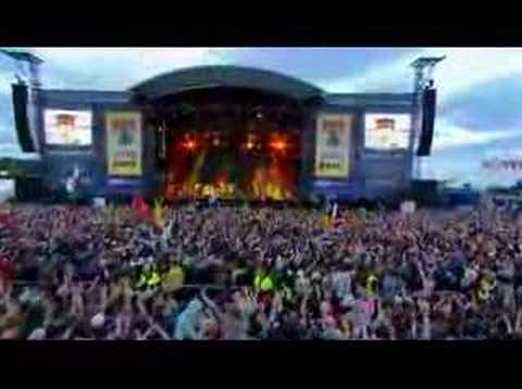 The Killers - Somebody Told Me (LIVE at T in the Park 2007)