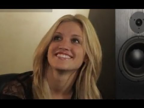 Ashley Roberts - Visits World Famous Metropolis Studios