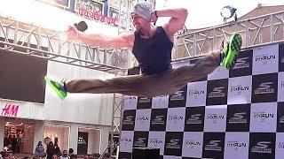 Download lagu Tiger Shroff's AMAZING Stunts In Real Life At Phoenix Mall In Mumbai