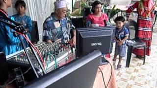 pak Lang membawakan lagu p ramlee dengan baik- Taman Firdausi.