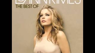 Watch Leann Rimes National Anthem video