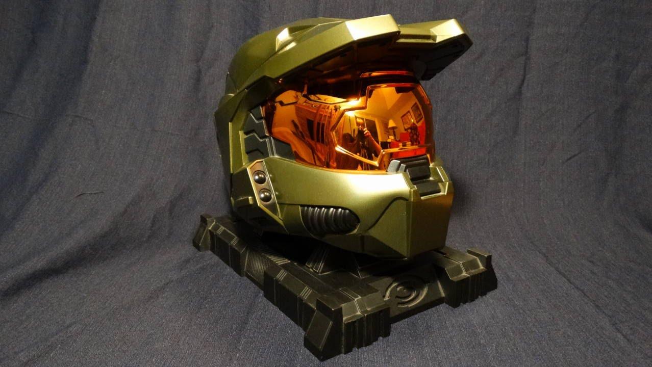 Halo 3 legendary edition master chief helmet game bundle.