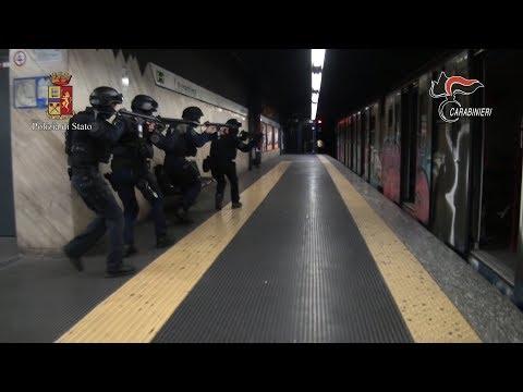 Attentati in Italia, le esercitazioni mozzafiato di Polizia e Carabinieri