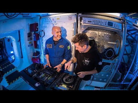 France 24:Astronaut rocked Ibiza with first ever DJ set from Space!