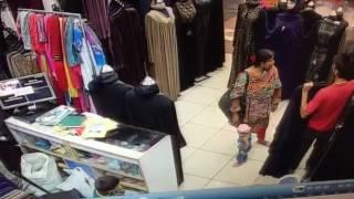 Theft at Saima Mall Karachi