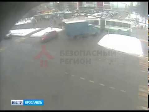 Видео В сети появилось видео смертельного ДТП в Дзержинском районе Ярославля