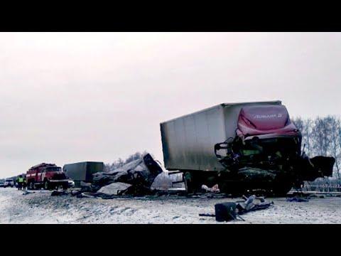 Под Тамбовом в результате крупной аварии погибли пять человек.