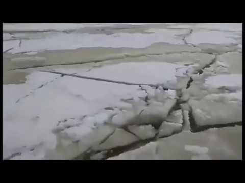 Цунами чуть не смыло рыбаков на Байкале