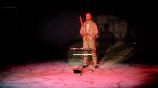 "Hubertus Wawra ist der ""Master of Hellfire"" in Circus Flic Flac"