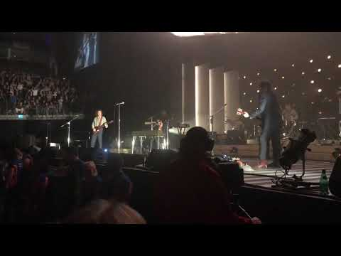 Arctic Monkeys - Extended Outro Four Out Of Five (O2 Arena / London)