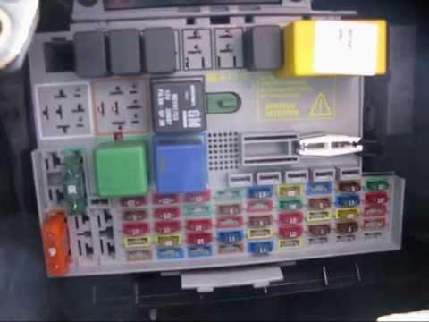 MKIV Astra 17 DTi Estate fuse box location - YouTube