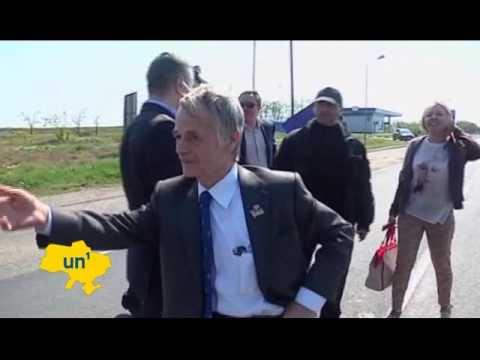 На российском КПП Мустафу Джемилева не пустили в Крым