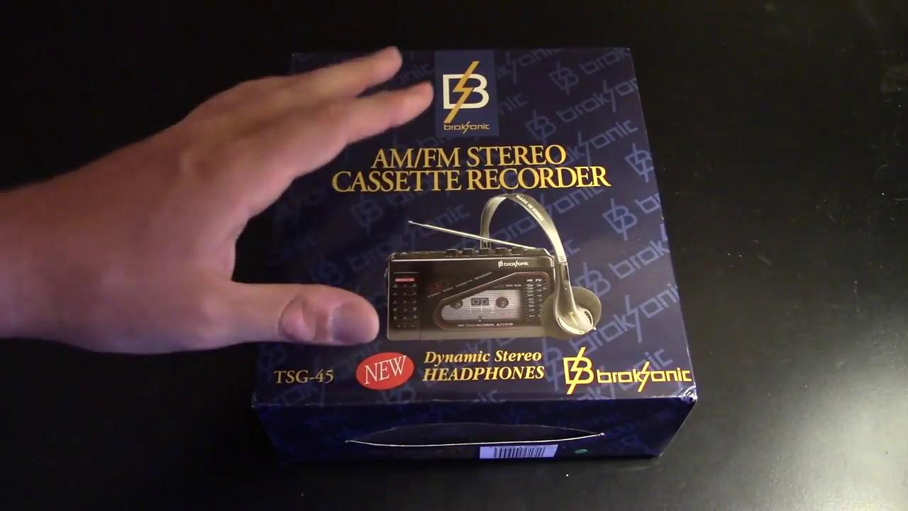 Broksonic Walkman AM//FM Stereo Cassette Recorder with Dynamic Stereo Headphones