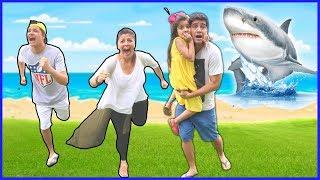 FOMOS ATACADOS POR TUBARÃO ? Diversão no aquário gigante !! ( SHARK, SHARK )