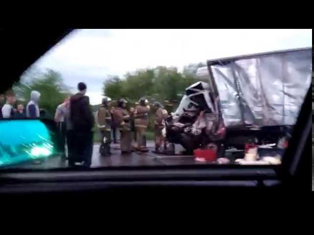 Страшная авария на трассе Кемерово-Новокузнецк около Полысаева. 28.05.2015.