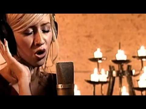 Christina Aguilera【ツ】The Christmas Song【HD】