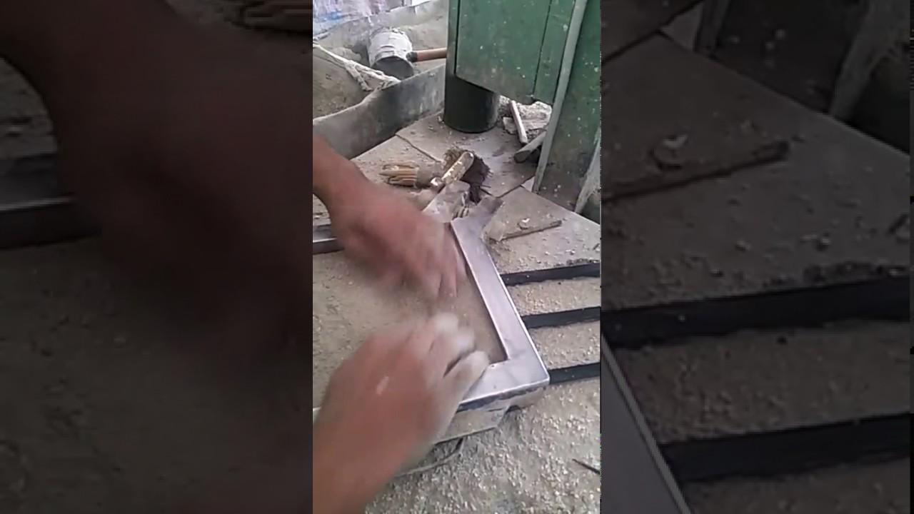 fabrication carreaux ciment youtube. Black Bedroom Furniture Sets. Home Design Ideas