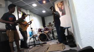 Rolling in the deep(Adele Cover)/kangal irandal(tamil song) By Strings Of Morpheus