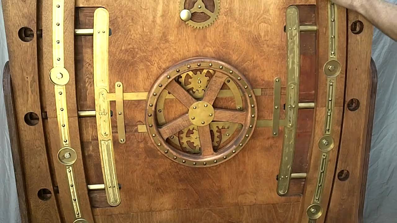Nautilus Door (locking mechanism detail) - YouTube