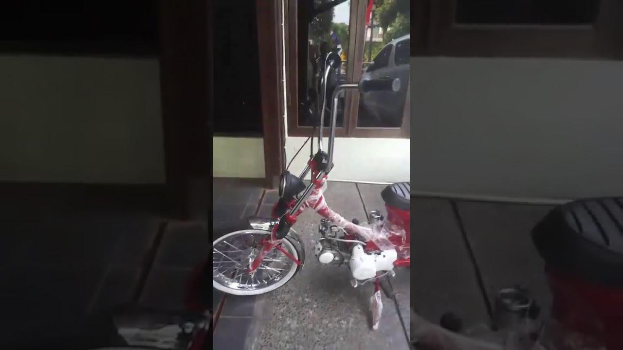 Zuta Joker Monster VS Harley Queen chopy cub Honda C70 (3) - YouTube
