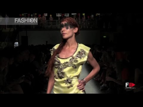 VIVIENNE WESTWOOD London Fashion Week SS 2016 by Fashion Channel