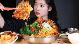 감자탕 볶음밥까지 리얼사운드먹방/SPICY PORK BACK-BONE STEW Gamja-tang Mukbang Eating Show Sup Khinzir Hầm thịt lợn