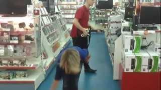 Веселушки в М.Видео Сочи 3 !(спортивная продавщица в Сочи магазин М.Видео., 2012-07-30T13:44:21.000Z)
