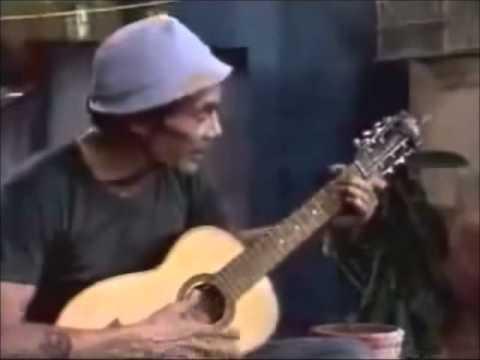 seu madruga cantando amado batista no hospital