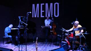 Gambar cover LARRY SCHNEIDER  4tet   MEMO   Music Club MILAN