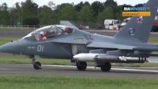 Le Bourget: Showflug der Jak-130 und Blick in den Superjet 100